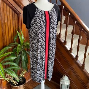 Modern Red black and white shift dress stretchy